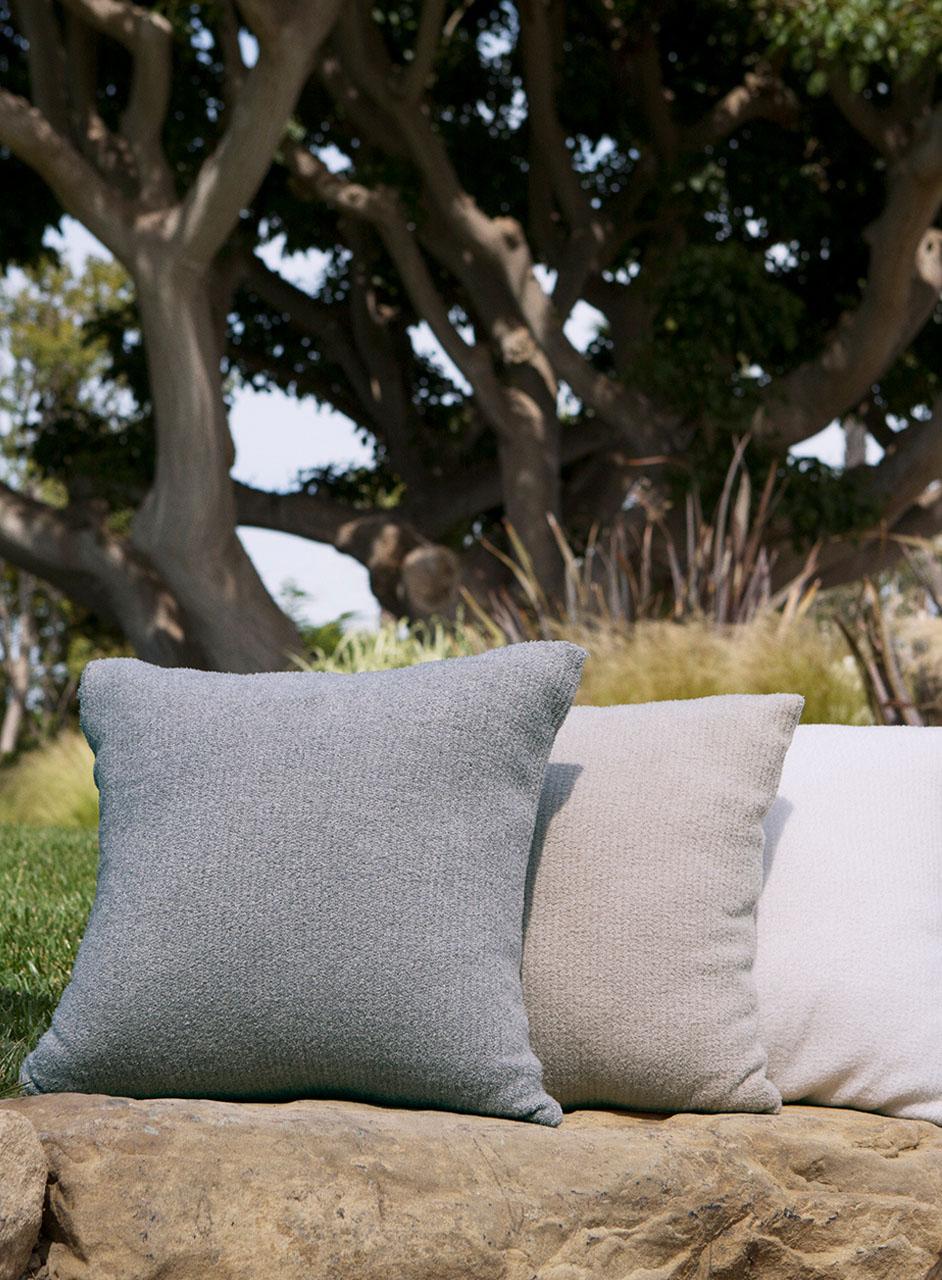 479 CCL Ribbed Pillow