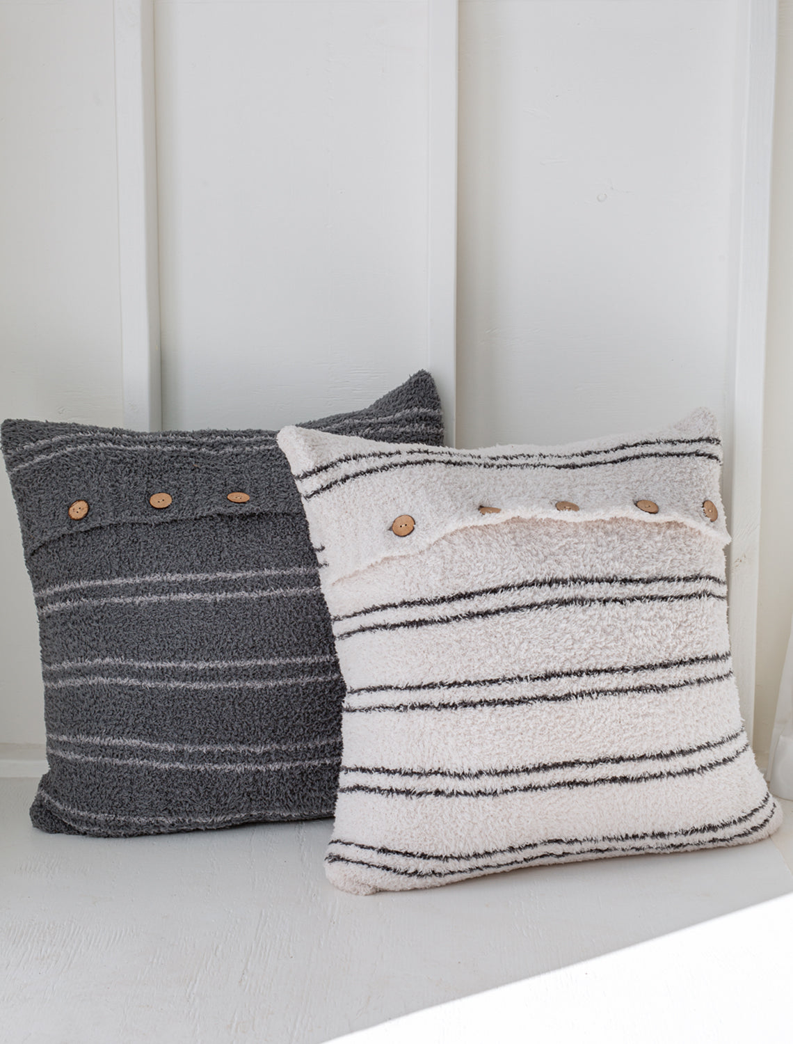 HCC1030 Striped Pillow 24*24